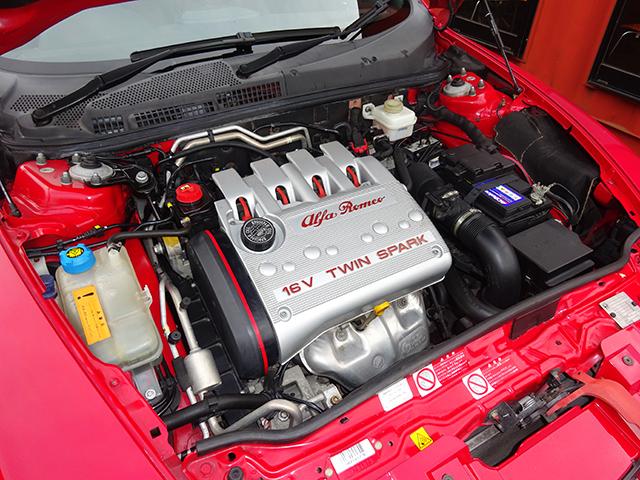後期型アルファ147TI 2.0 TS (3ドア/5速MT)