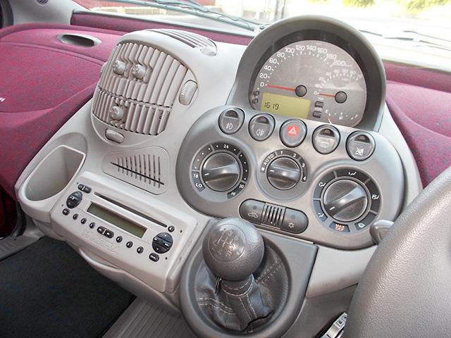 前期型フィアット ムルティプラ ELX
