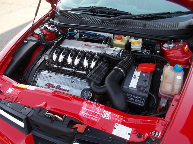 前期型アルファ156 2.5 V6 (6速マニュアル)